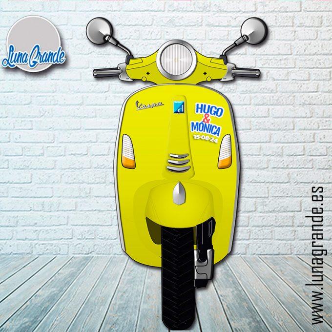 Atrezzo para Photocall Vespa Amarillo Personalizada
