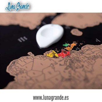 Detalles para invitados Mapa Mundi Rasca con rascador