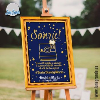 Cartel de boda Sonríe y usa este hashtag