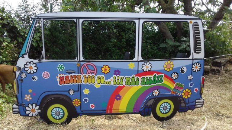 Photocall furgoneta hippie recortado